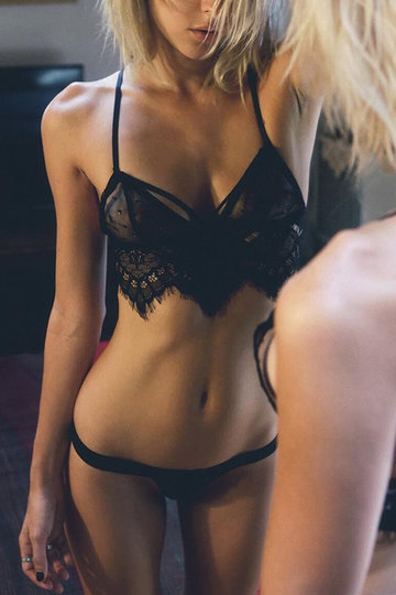 Sexy Black Lace Détails Bralet with No falsies