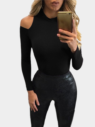 Knitted Round Neck Cold Shoulder Top in Black