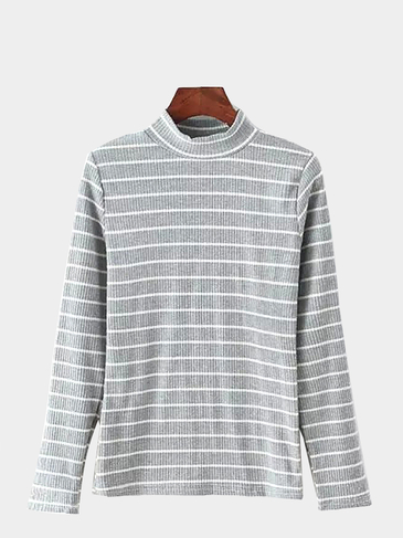 Light Grey Top With Stripe and Long Sleeves