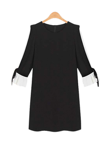 Plus Size Dual-tone Bell Sleeve Dress In Black