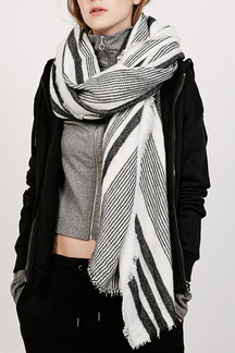 Contrast Color Stripe Pattern Trendy Design Scarf