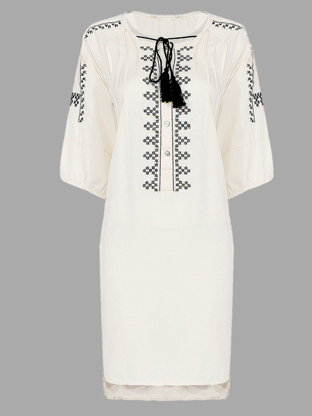 Vintage Style Dress With Embroidery Details