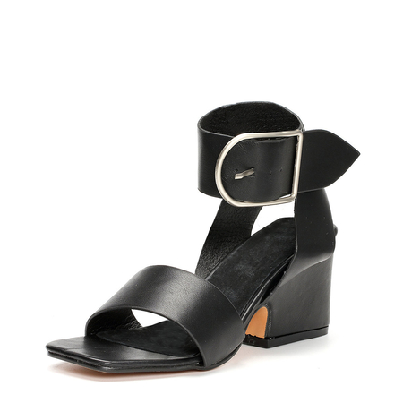 Black Chunky Heels Sandals with Buckle Design