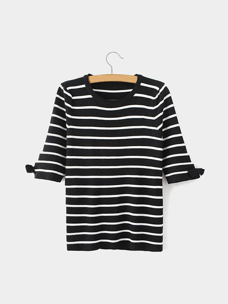 Black Stripe Pattern Bow Details Knit T-shirt