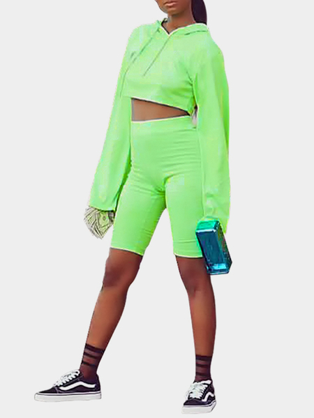 Active Crop Top & Middle Waisted Leggings in Green