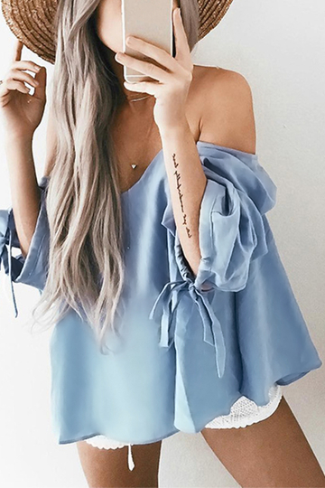 Off-the-shoulder Puff Sleeves Top in Blue