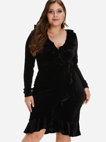 Plus Size Black Ruffle Detail Velvet Midi Dress