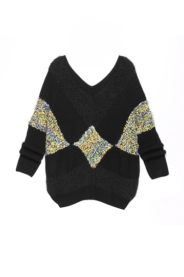 Plus Size V-Neck Color Block Knitted Sweater in Black