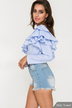 Pinstriped Flouncy Ein Schulter Top in Blau
