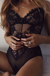 Black Sexy Lace Hollow Out Bodysuit transparente sem Falsies
