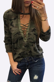 Sexy camuflagem padrão V-neck Lace-up Front Top