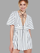 V-neck Stripe Self-tie Voltar Romper