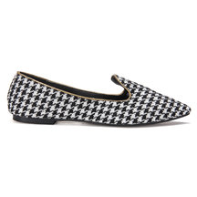 Pointed Flat Shoes in Houndstooth