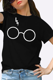 Casual Glasses Print Tee in Black