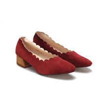 Квадратный Toe Chunky Wool Heel Scalloped Suede Shoes