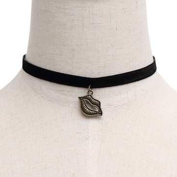 Lips Pendant Velvet Ribbon Choker Necklace