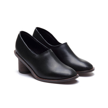Square Toe Chunky Heel Leather Look Shoes in Black
