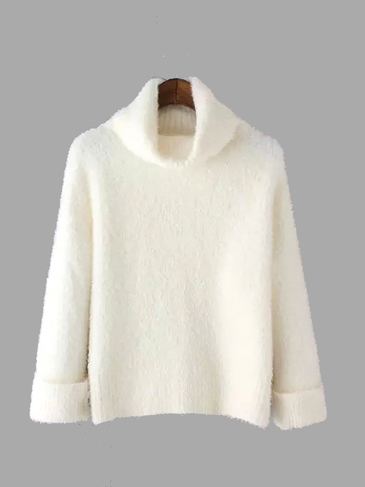 Turtle Neck Pullover in Creme