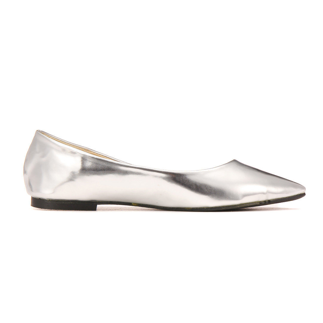Shiny Pointed Flat Shoes