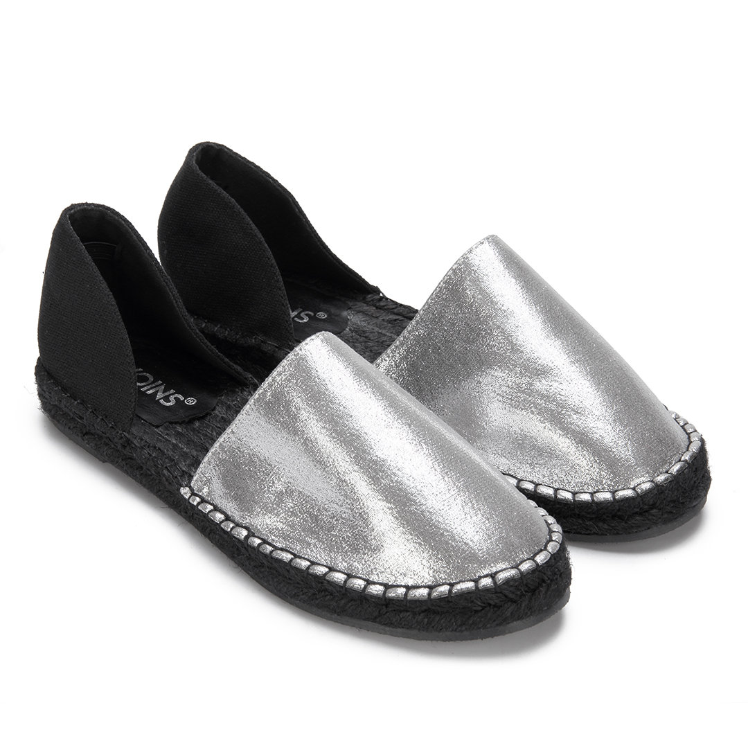Sliver Hollow Round Toe Slip-on Flats