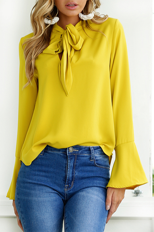 Blouse design auto-cravate jaune