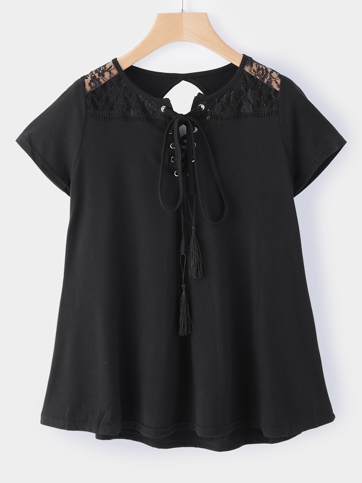 Black Cut Out Round Neck Short Sleeves T-shirts цены