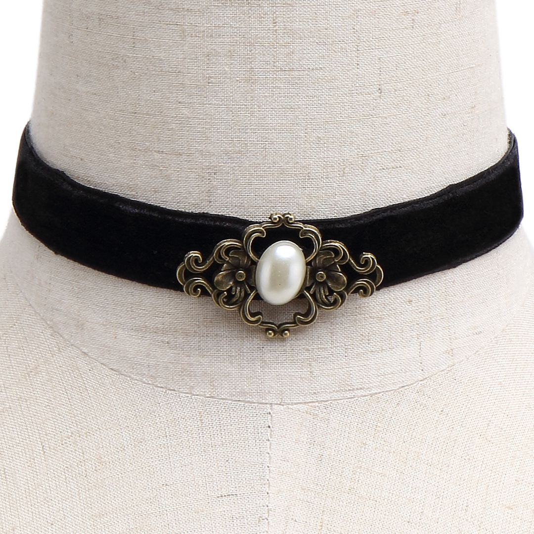 Vintage Pearl Velvet Ribbon Choker Necklace